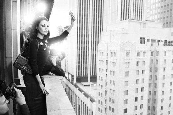 美国女演员复古演绎Miss Dior