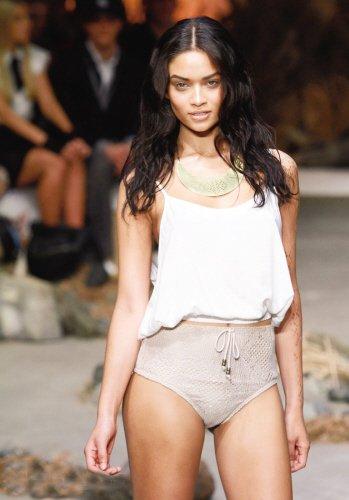 澳洲春夏时装周:泳装也复古