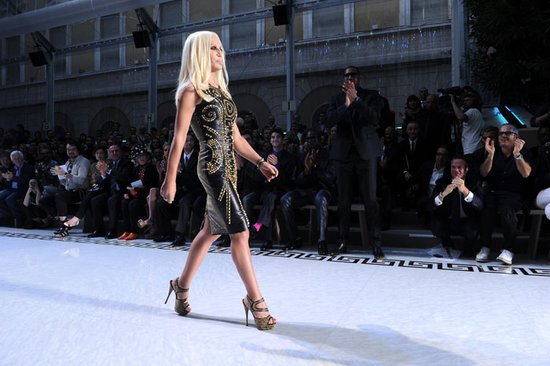 今秋Versace为H&M做设计