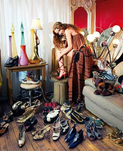 拥有600双大牌名鞋的女人们