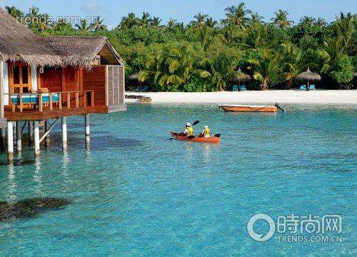 """到马尔代夫去玩""""跳岛"""""""