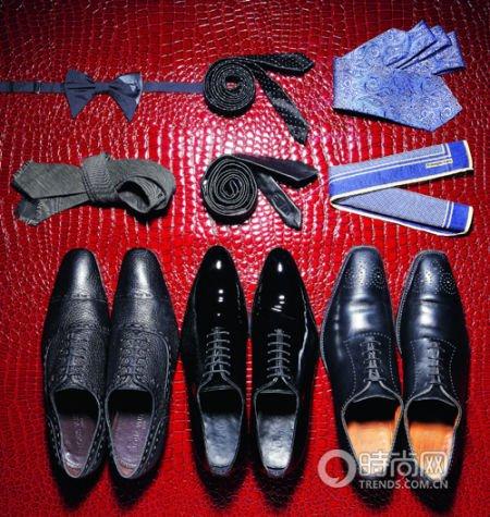 男人衣柜中的社交礼服组合