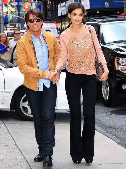 Katie Holmes (Katie Holmes) and her husband Tom Cruise in conjunction with