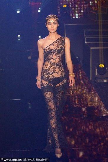 国际时装周:高街时装也要来分羹