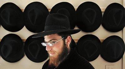 Fedora 一顶男士呢帽的传奇