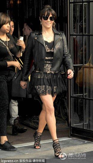 绯闻少女PK好莱坞甜姐 机车外套多样穿搭