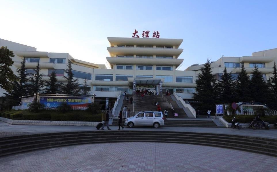 云南大理:火车站周边旅游市场展开秩序整治