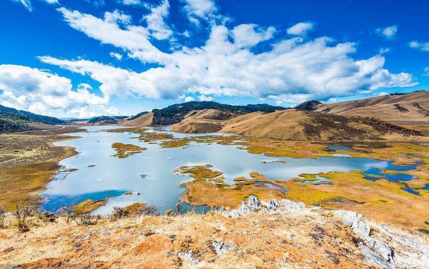 """第二届西昌邛海""""丝绸之路""""国际诗歌周在凉山举行"""