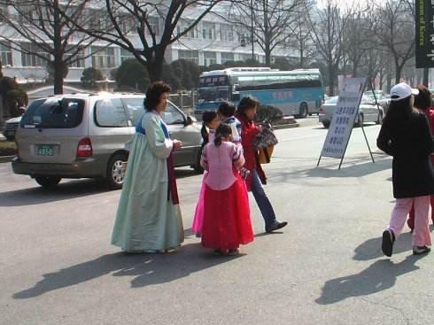 中国赴韩游客大量减少 韩国近四成导游失业