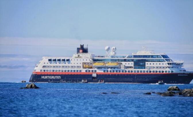 南设得兰群岛最大的岛屿,看万年蓝冰