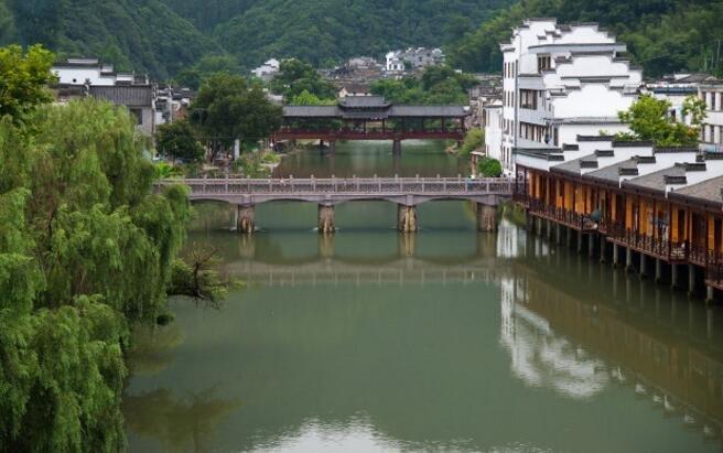 这座城市以皇帝年号命名,经常代表中国,却是中国最矮的城市