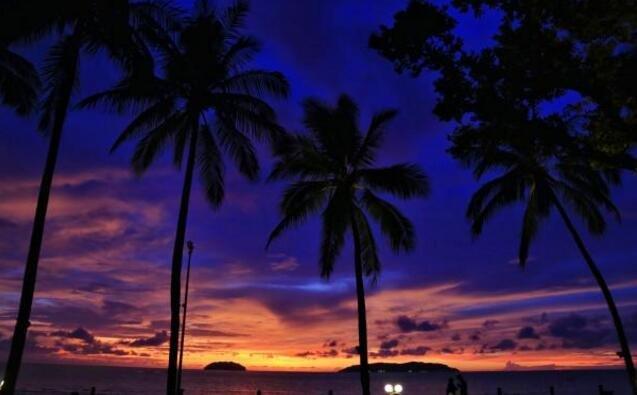 这个海岛四季都没有台风,被称为风下之乡,还有世界最美的日落