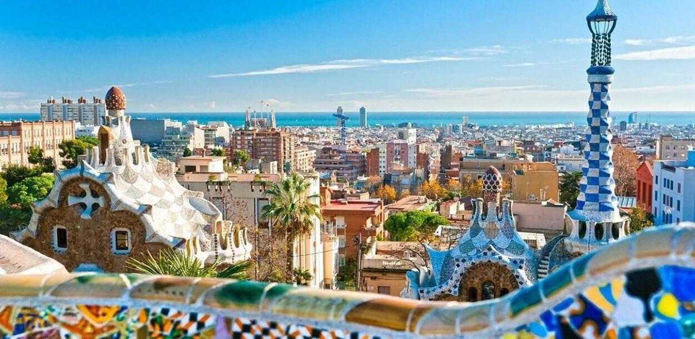 """英国游客""""投诉诈骗""""致西班牙旅游业损失惨重"""