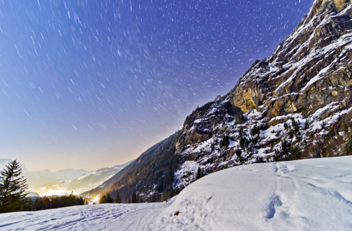 全球最难攀登的山峰,游客视其为毕生梦想,带动了此国的旅游业