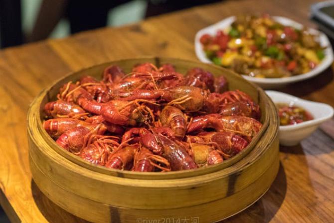 南昌必吃的美食,靠着小龙虾十年称霸南昌