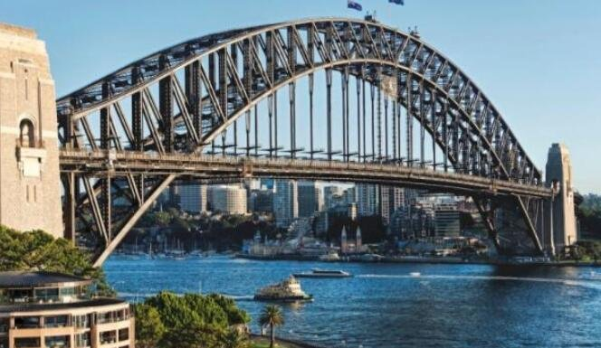 世界第一单孔拱桥:跨越百年的伟大工程,由电脑控制确保不会堵车