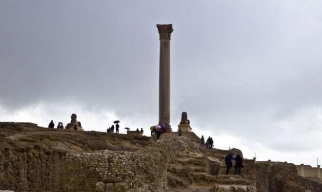 擎天一柱的亚历山大城城徽 庞贝柱