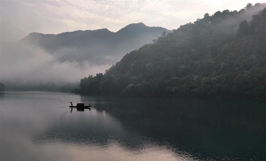 水墨画卷东江湖