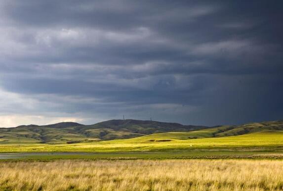 不经历风雨怎能见彩虹 绚丽的草原双彩虹
