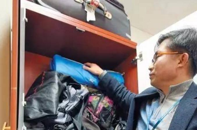 """中国游客在韩买买买 韩国就处理不了""""丢丢丢"""""""