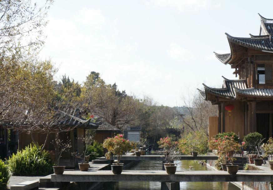 比丽江撩人,比大理恬静,比香格里拉安逸,云南这座小城媲美苏杭