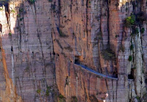 中国最难的山路,有的7公里修了30年