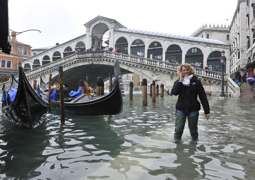 威尼斯的独特景观,一年四季都要穿水鞋