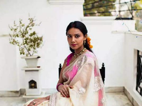 印度贫民区里的女人,有好多美女