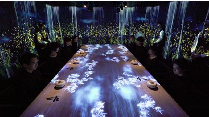 """日本现虚拟餐厅:主打用""""眼睛""""吃饭,只接待8个人吃一顿饭上万"""