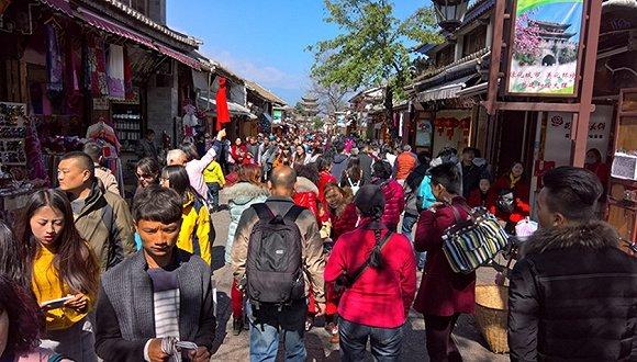 旅游被强制购物的副省长 曾查处中国第一案