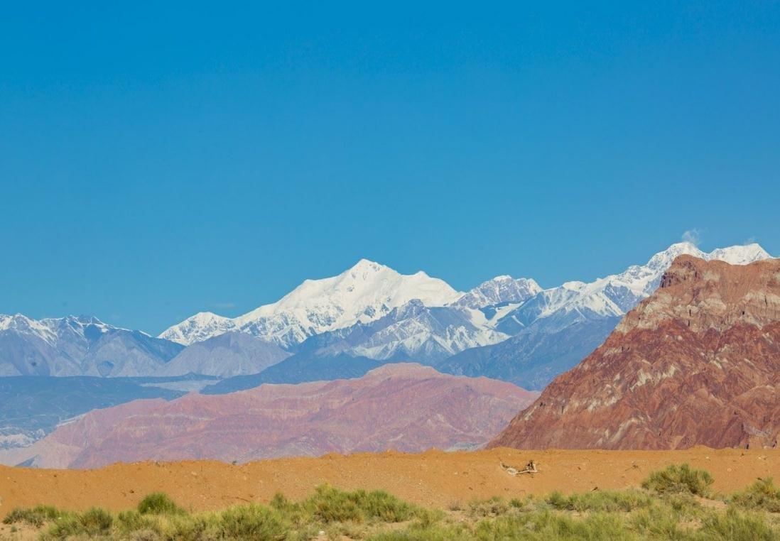 南疆四地州:打造丝路文化和民俗风情旅游目的地