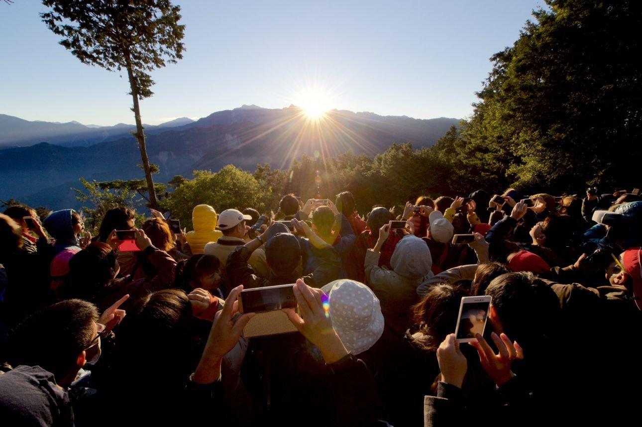 数据预测:今年国内旅游人数将达到48亿人次