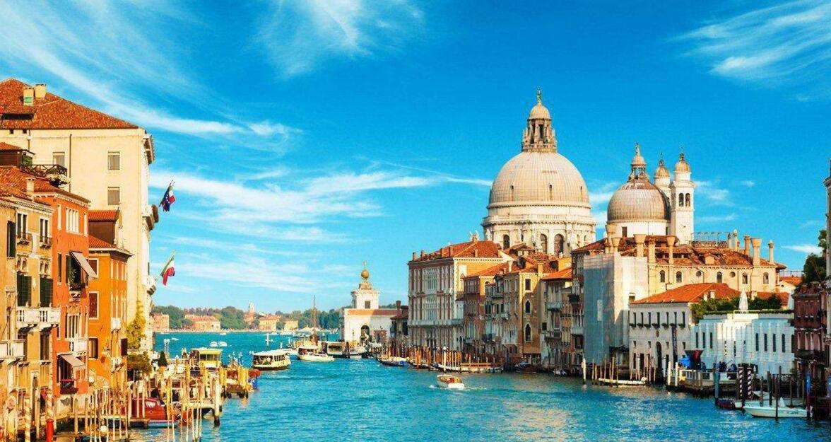 十一出境游迎预订高峰 预计今年出游人次同比翻倍
