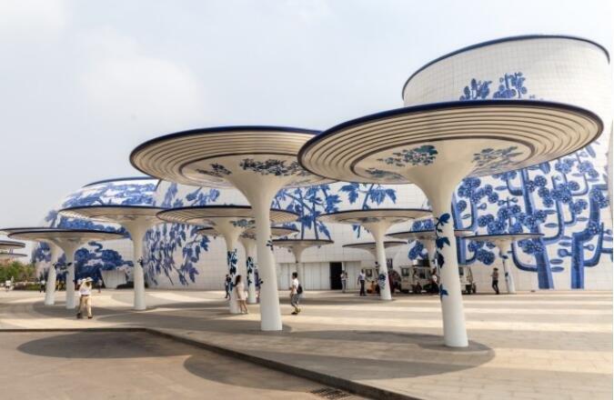 世界最大的青花瓷建筑,万达花了400亿