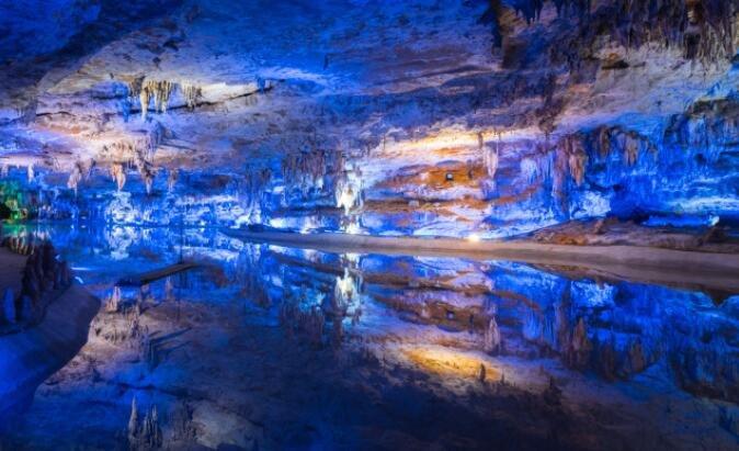 你见过最美的溶洞,把她的美乘以2,就是贵州双河谷