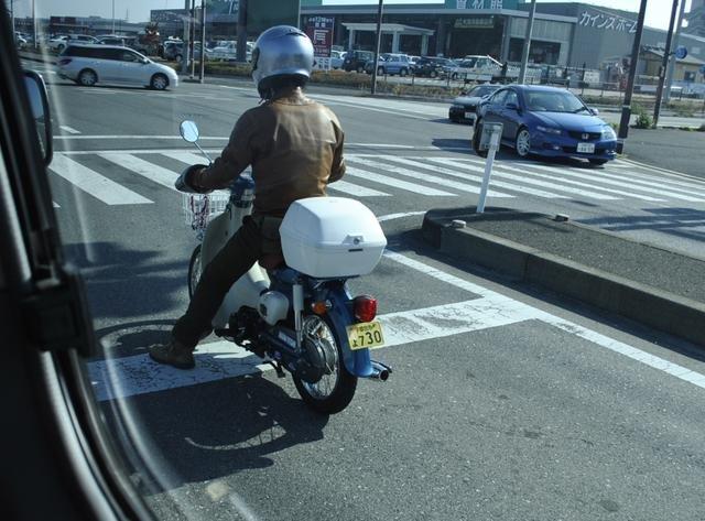 日本那么多摩托车厂,为什么很少见有人骑