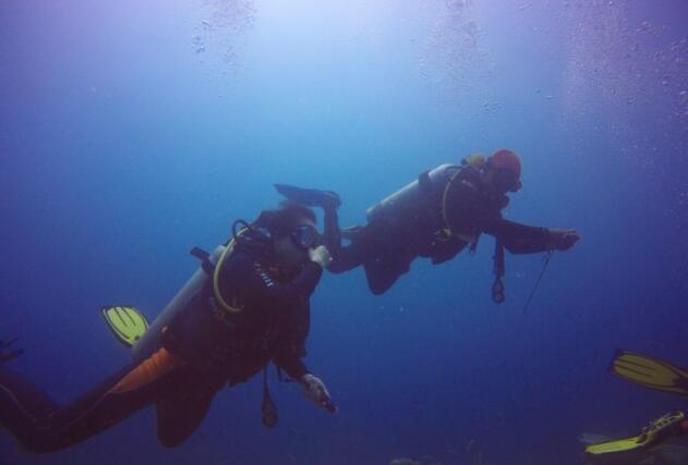 菲律宾之旅:二战时期的水下墓地与深海美人鱼的探秘