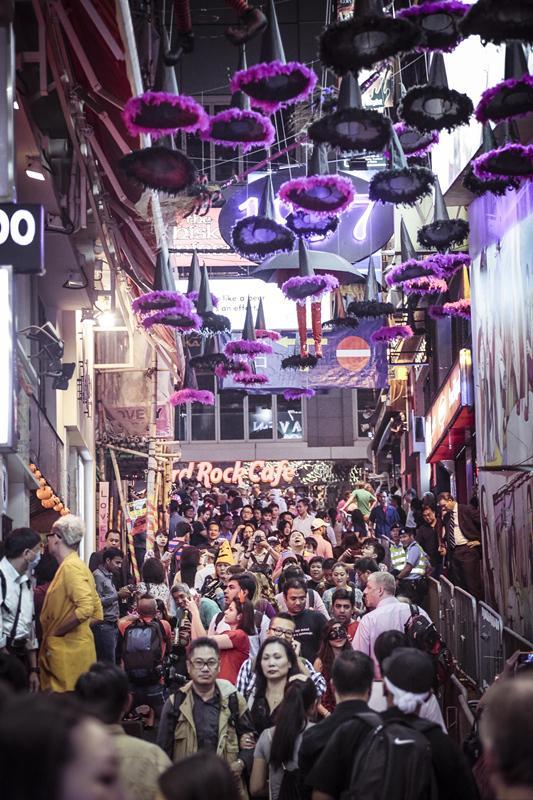 哗鬼齐聚香港过万圣节,全城狂欢开趴!
