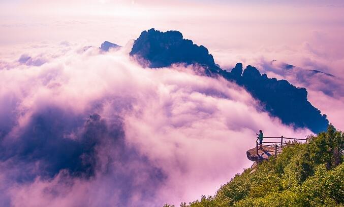 北京城郊藏着一座清凉无比的白石山,奇峰云海如黄山竟鲜有人知