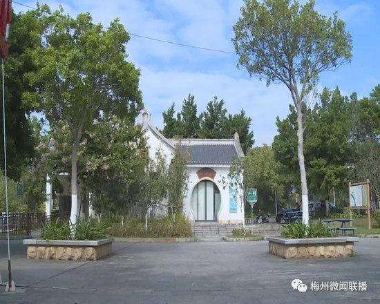 """梅州""""厕所革命""""擦亮城市底色 让厕所成为靓丽风景线"""
