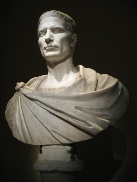 凯撒半身像