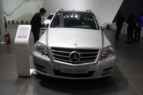 """奔驰glk的全系三款车型只是在车尾增加了 """"北京奔驰""""标识,外高清图片"""