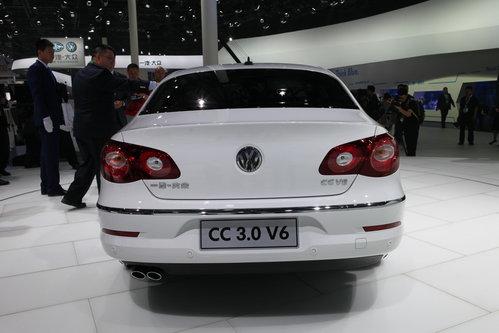 04.27  一汽- 大众 cc 3.0l v6 一汽-大众cc v6车型与2.0tsi和1.图片