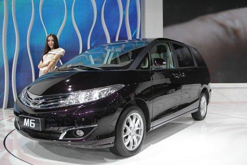 款式有明显变化.可以看到与北京车展   (微博)上发布的比亚高清图片