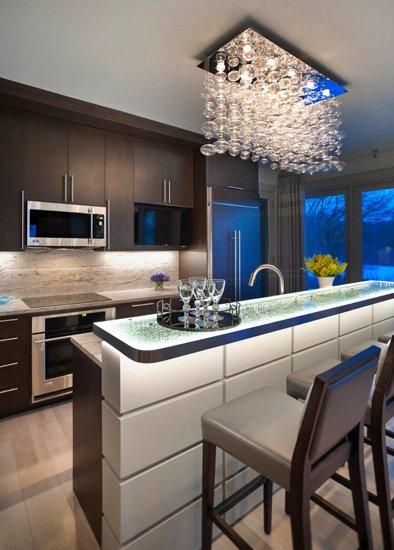 深色厨房装修效果图 实用美观两兼备