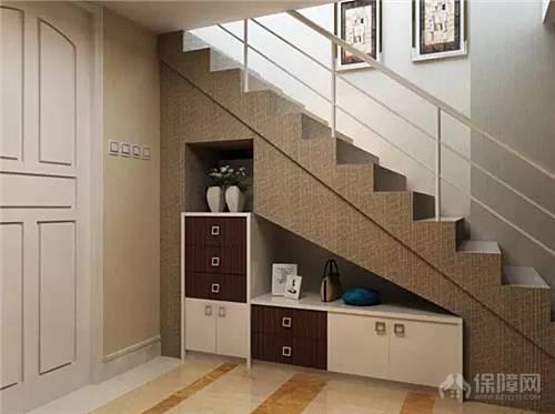 楼梯鞋柜装修效果图 如何利用楼梯下的空间