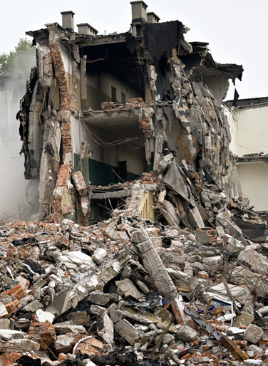 地震中房子倒了仍须继续还房贷