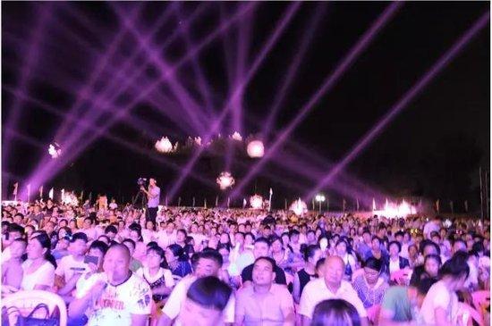 全城着魔!六千人齐聚华耀城,魔幻狂欢夜圆满落幕!