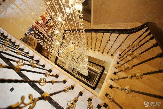 印象外滩别墅样板房楼梯-奢侈豪华住宅设计PK甬城住宅空间