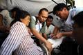 组图:印尼医疗队结束在甘震区救援任务
